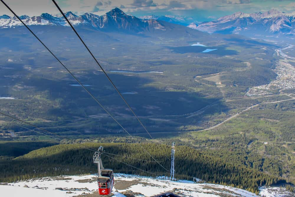 Visit the Jasper Skytram on a roadtrip through Alberta