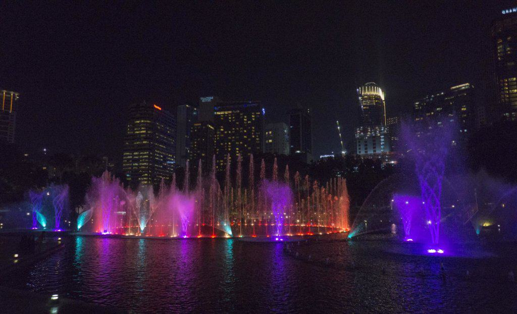 Fountain show at Petronas Towers