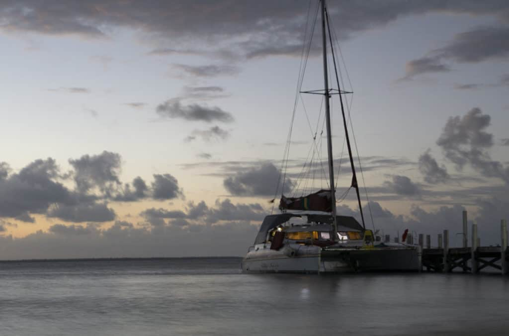 Sailing with raggamuffin in Belize