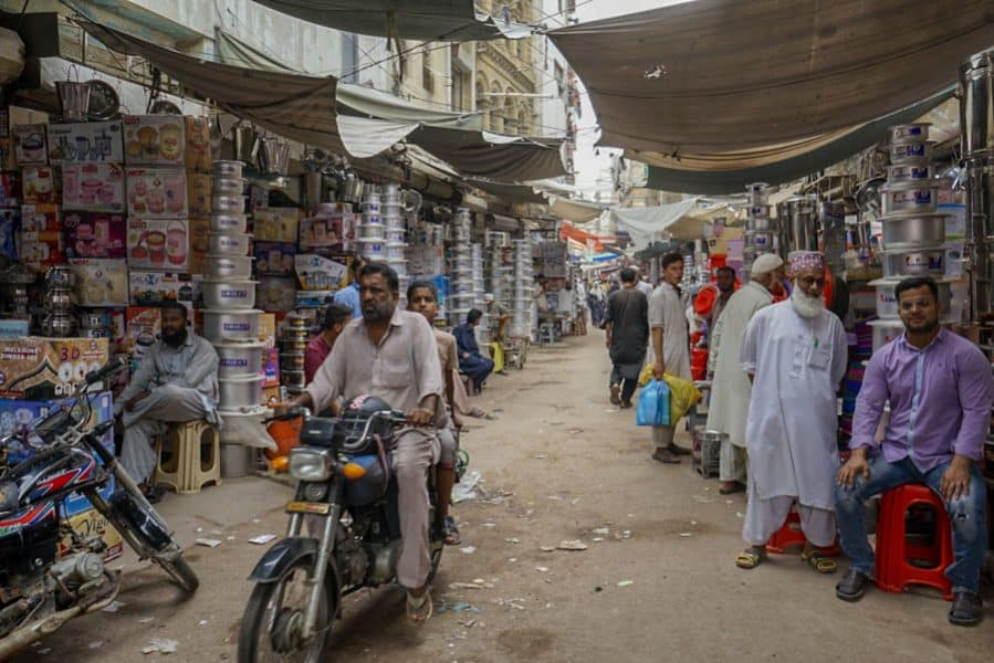 markets are one of the fun places in Karachi