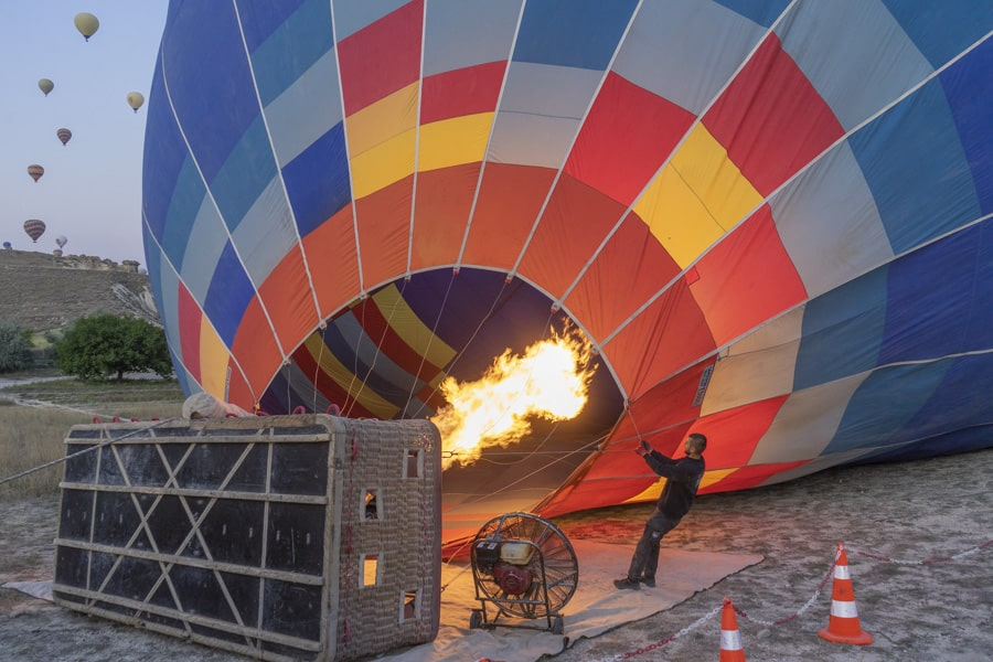 preparing to launch the hot air balloon flight