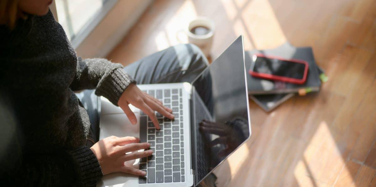 girl at computer freelance writing