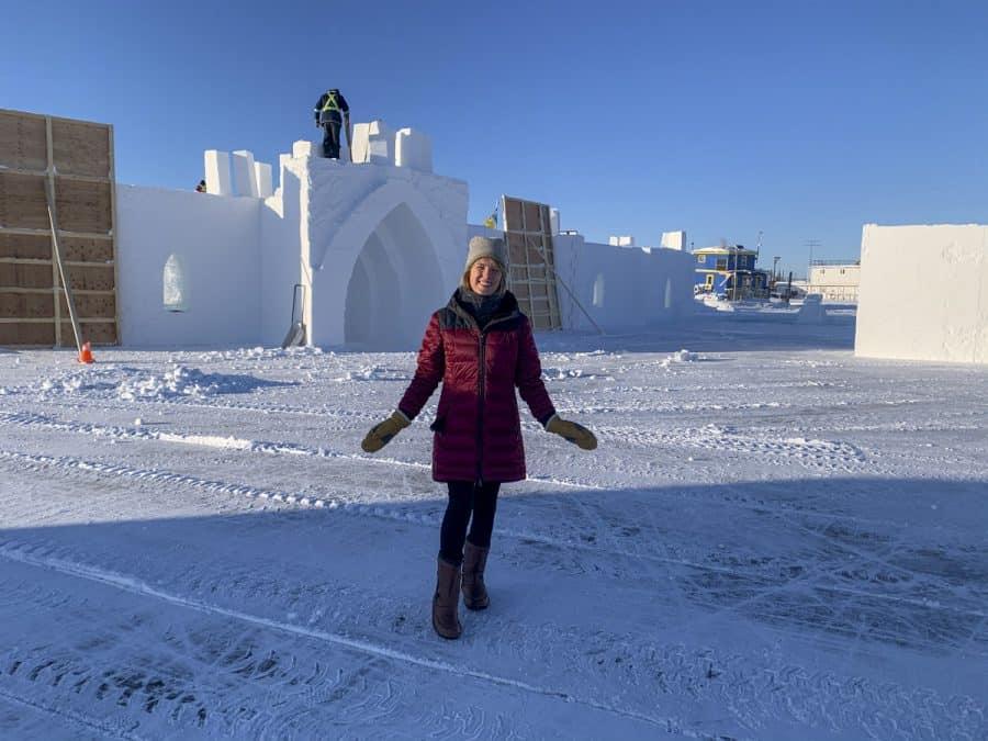 Construction of the Snowking festival castle
