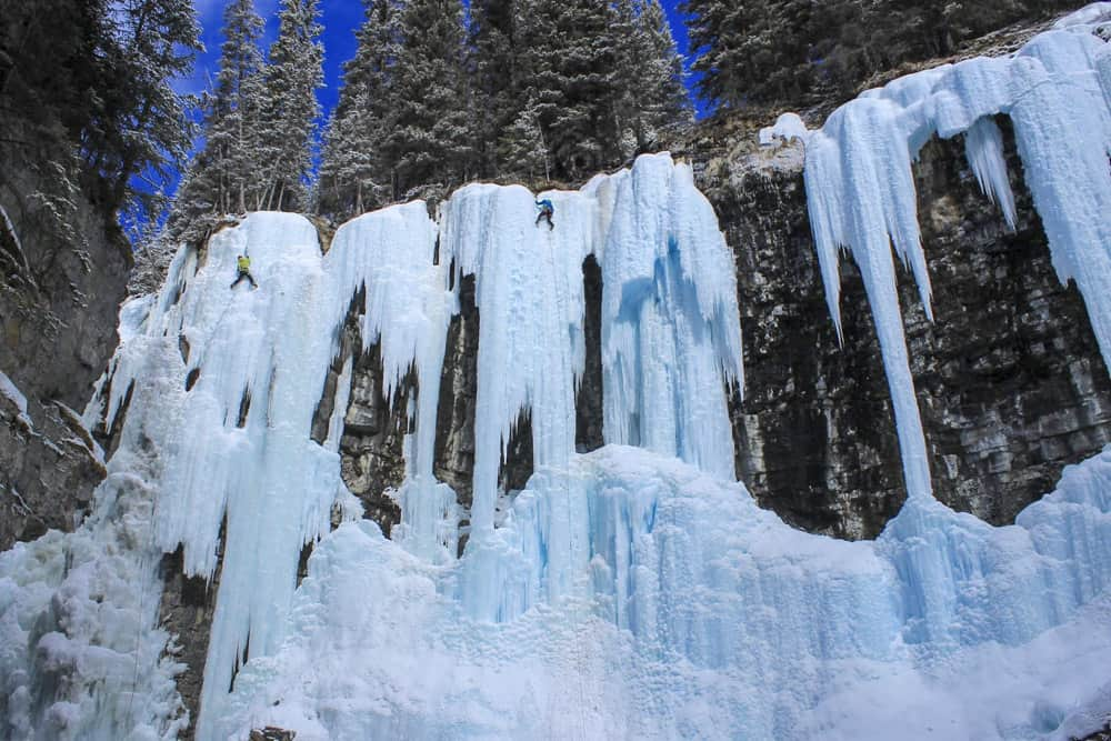 ice climbers johnston canyon