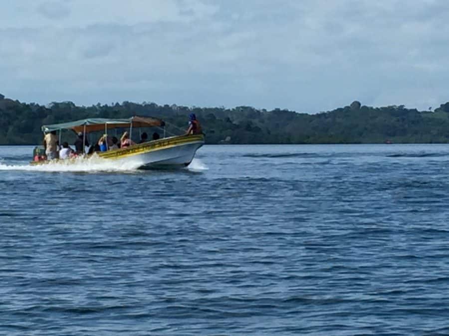 speed boat bocas del toro