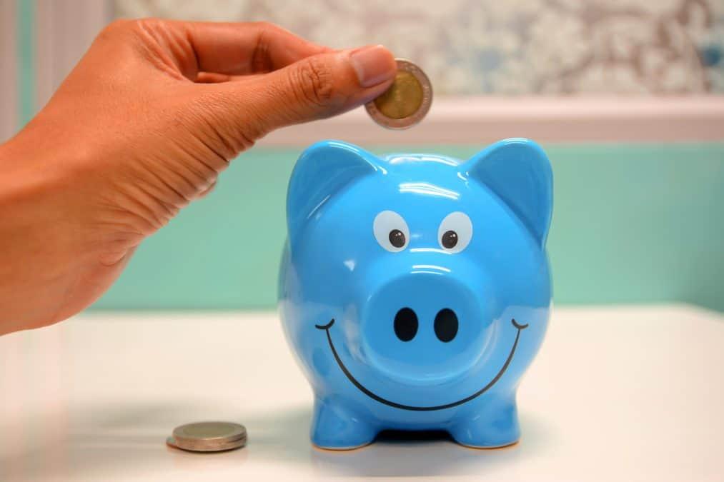 saving money to travel full time