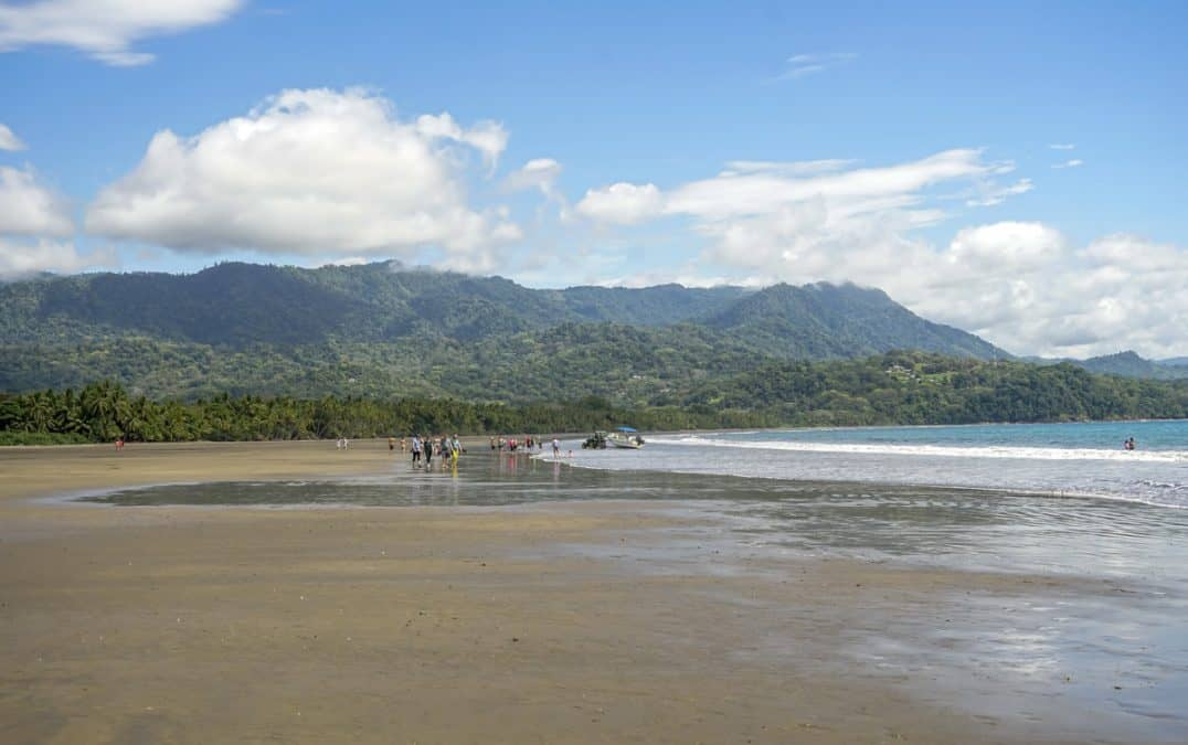 playa uvita costa rica