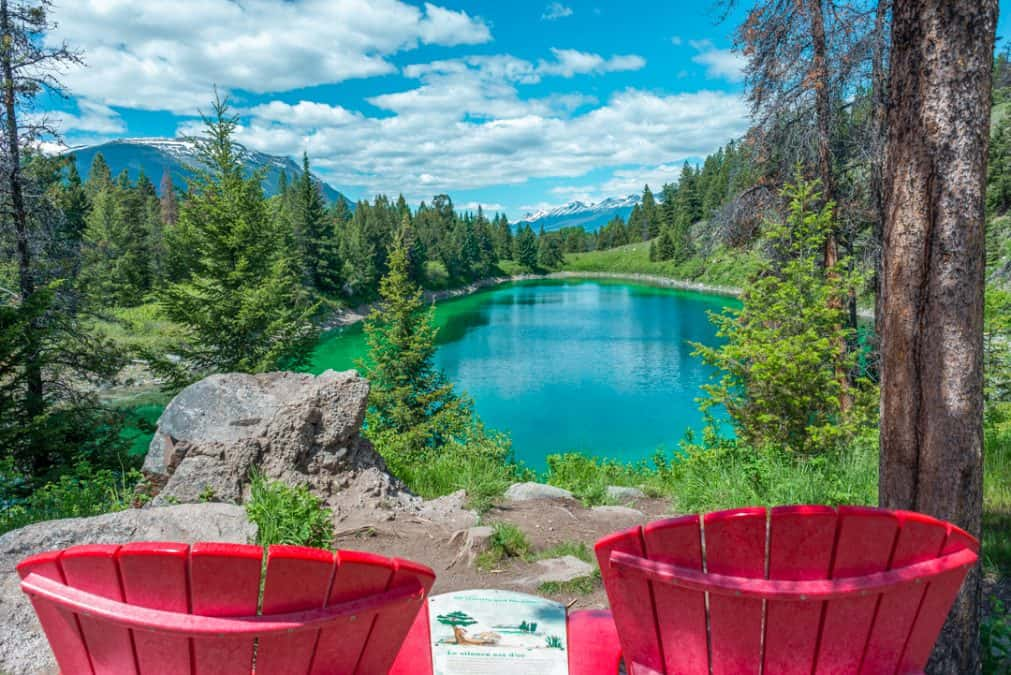 valley of the five lakes best hikes in jasper