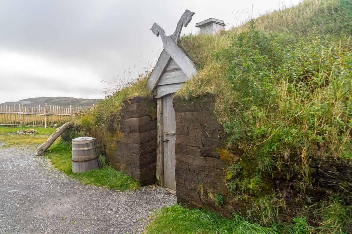 l'anse aux meadows northern peninsula newfoundland