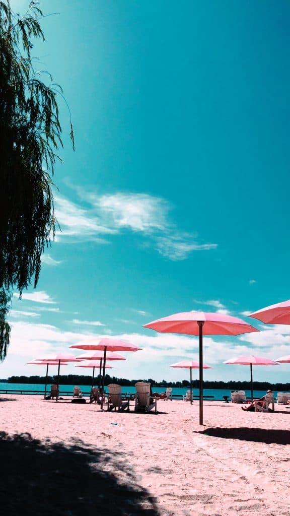 cherry beach toronto in the summer