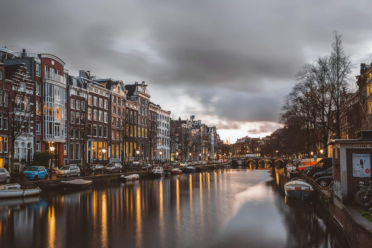 amsterdam weekend itinerary canals at sunset
